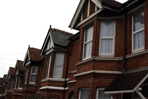 Gross mortgage lending 'decreases'
