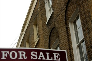 London house price gap 'continuing to widen'