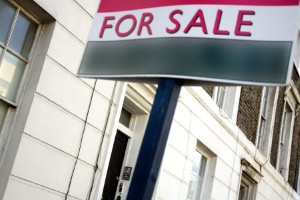 House prices 'drop by £30,000 in London'